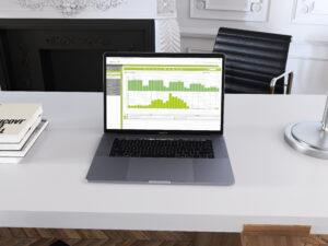 Laptop mit enerchart im Office-Bereich